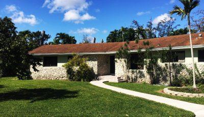 105 NW 156 Street , Miami, FL 33169 3D Model