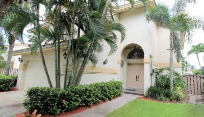 Exclusive Fountain Spring Lakeview Home in Plantation 33322