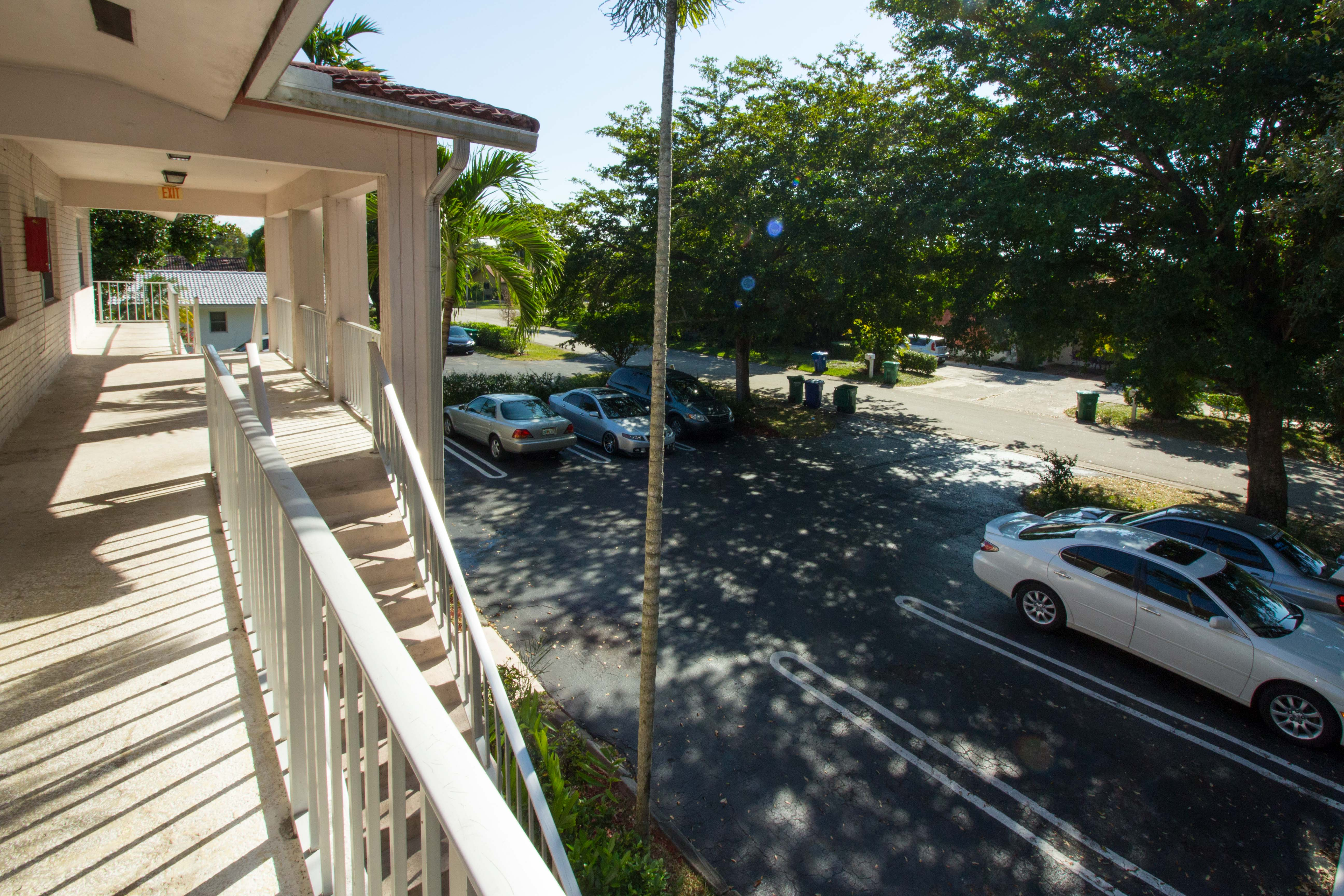 hd-exterior-10601-nw-45th-st-3