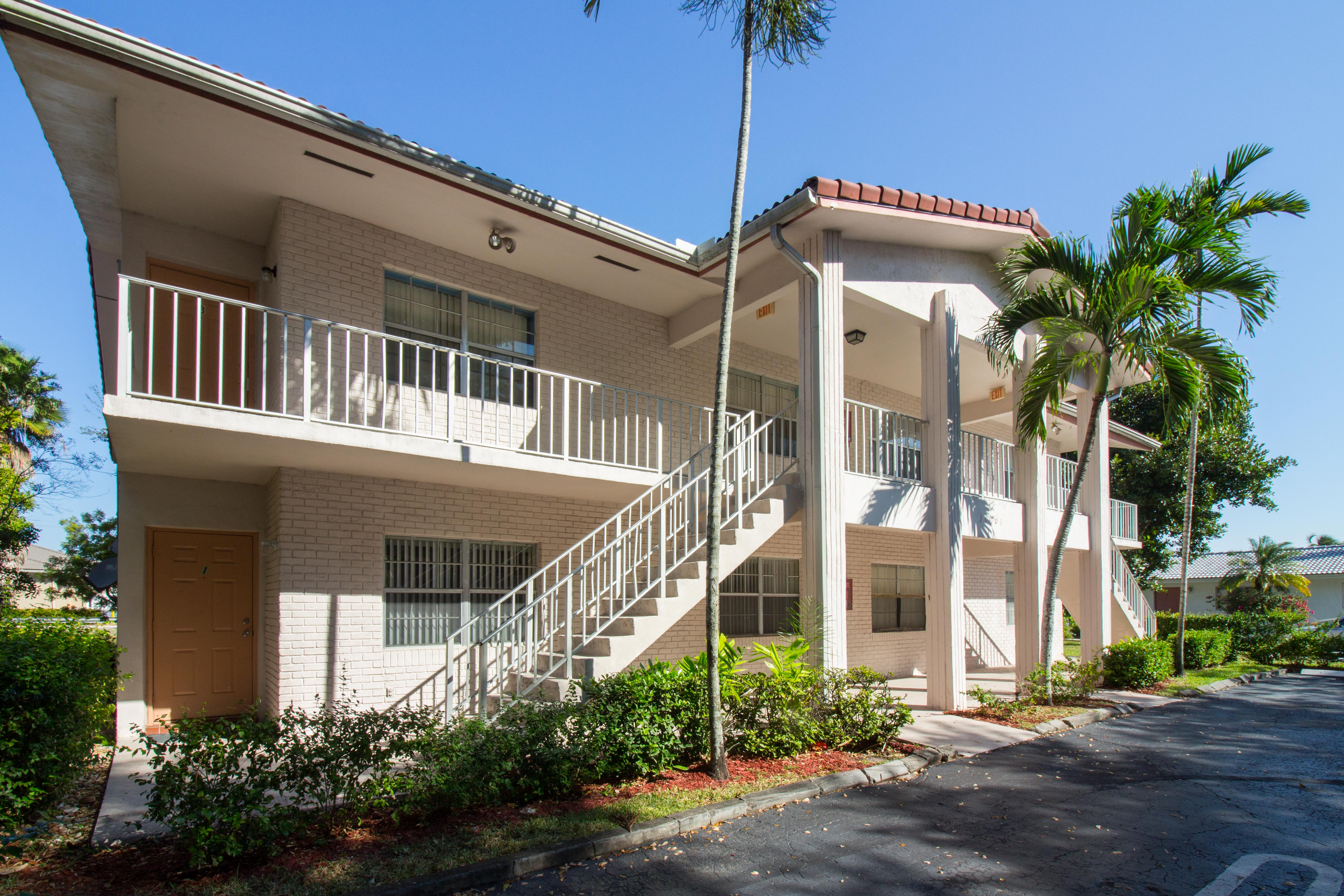 hd-exterior-10601-nw-45th-st-5
