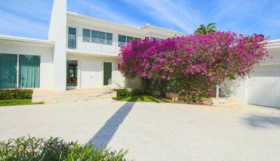 Sleek Waterfront Home in Miami Beach FL