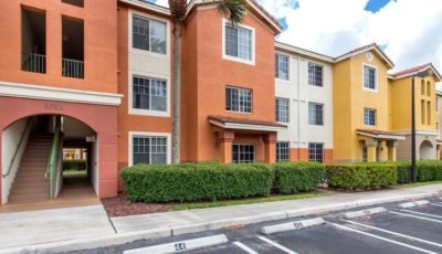 Beautiful 2 bedroom condo in Green Cay Village.